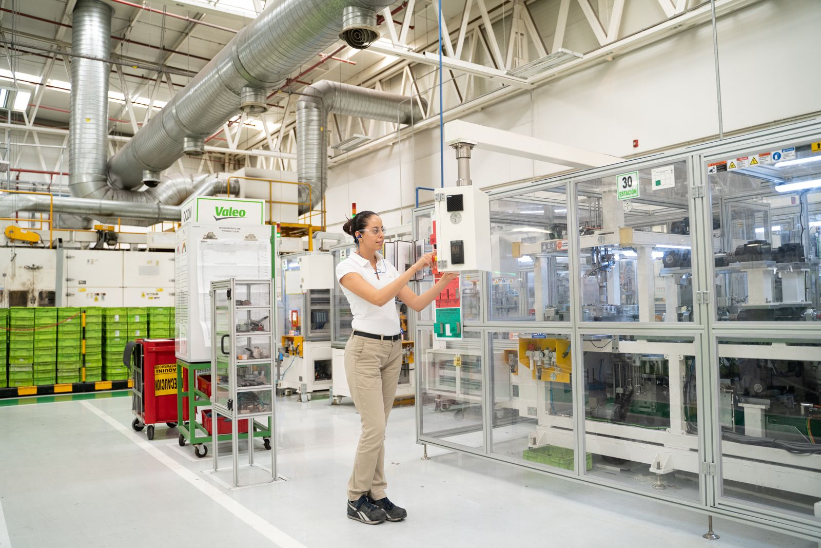 Valeo worker at a Mexico plant