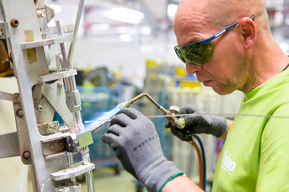 Employee working at Valeo Germany