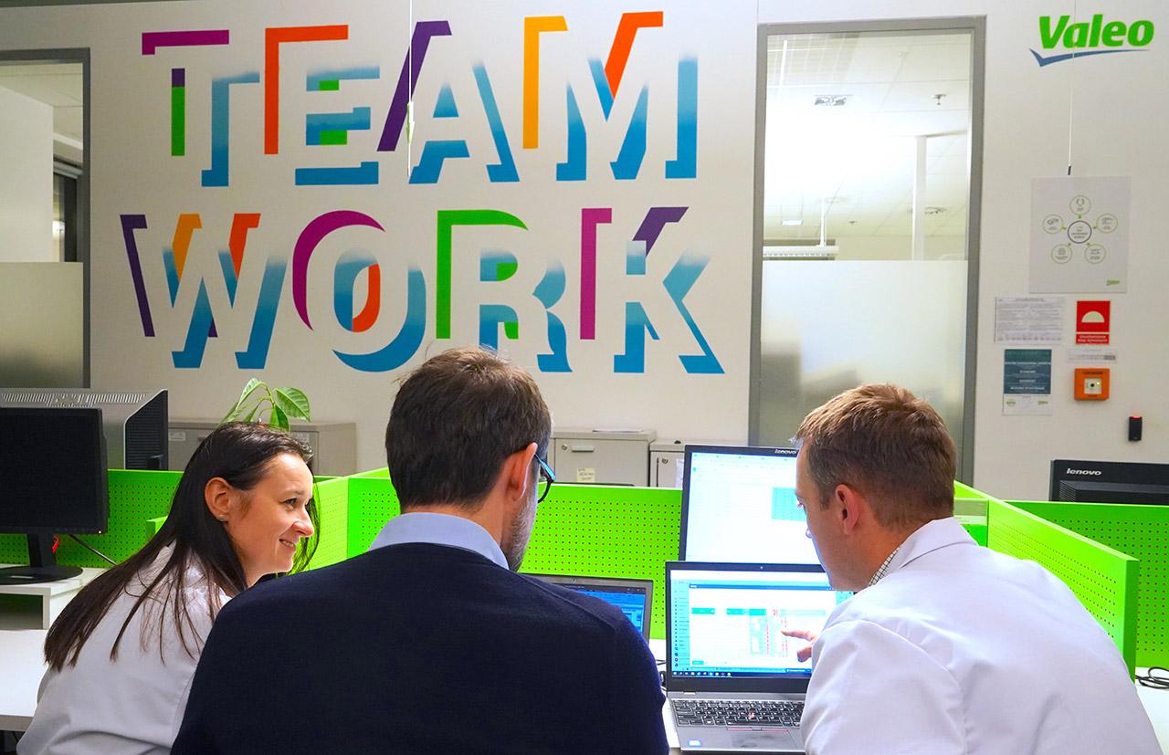absolventen_teamwork